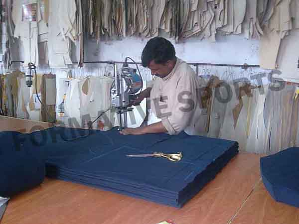 Our Tracksuits Manufacturers, Custom Tracksuit, Team Tracksuits Suppliers Australia manufacturing unit in Pakistan